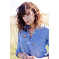 Chemise femme unie bleue ,100% lin, teinte à la main