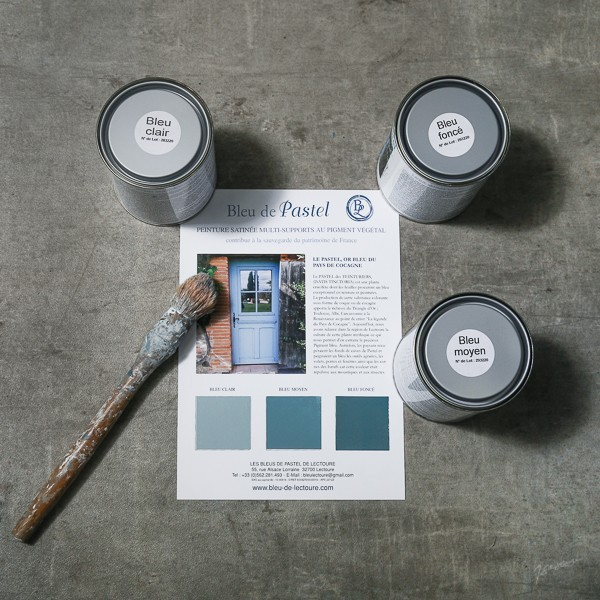 Blue medium paint, 100% natural with pastel pigment