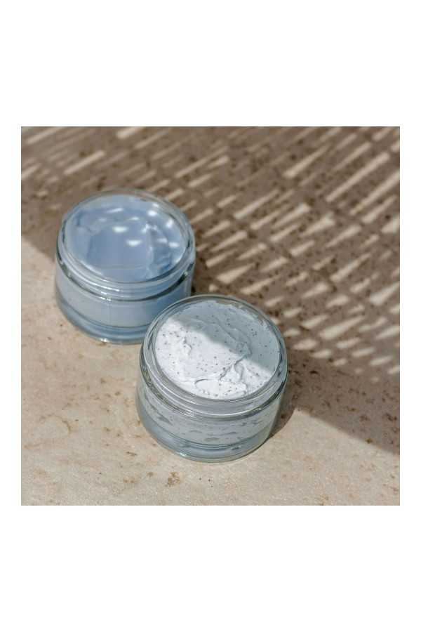 Nutritional cream for the face and body containing pastel oil and 96% natural ingredients